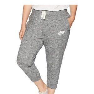 Nike Women's Plus Size Gym Vintage Capri Pants 3x